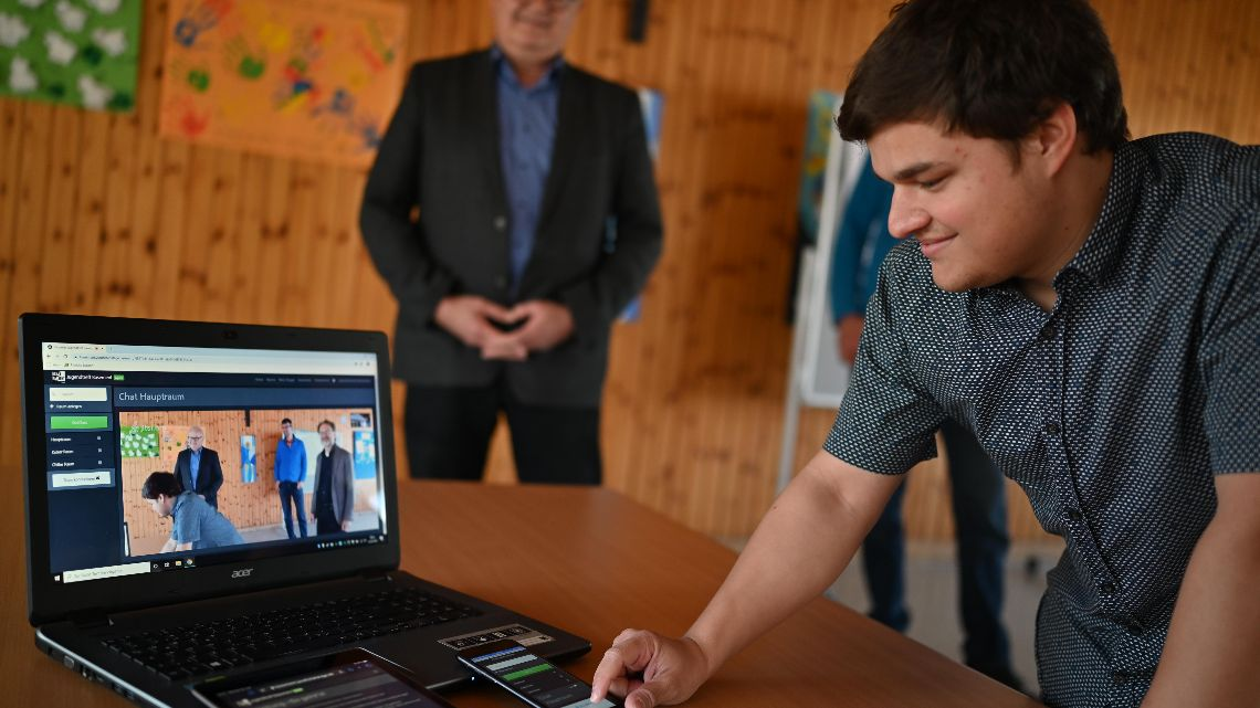 Pressefoto virtueller Jugendtreff von Philipp Hauck